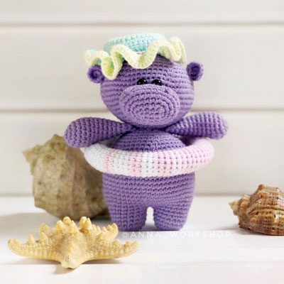 Adorable swimming amigurumi hippo (free amigurumi pattern)