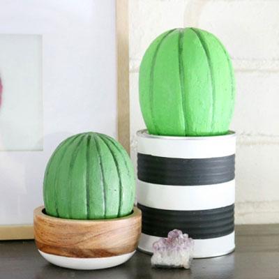 DIY Styrofoam egg cactus - fun & quick summer decor