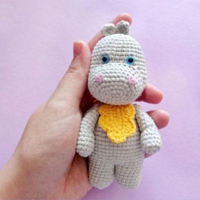 Little amigurumi hippo (free amigurumi pattern)