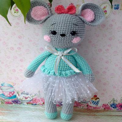 Anfisa the amigurumi mouse doll  (free amigurumi pattern)