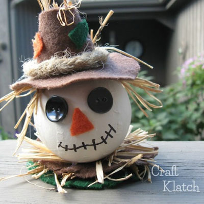 DIY Scarecrow ornament - fun fall craft for kids