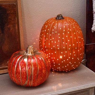 Easy DIY plastic pumpkin lamp - fall home decor