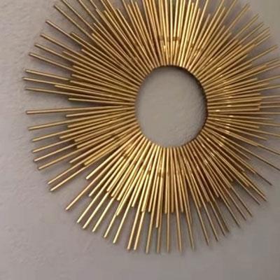 DIY Golden sunburst wall art from drinking straws (upcycling craft)