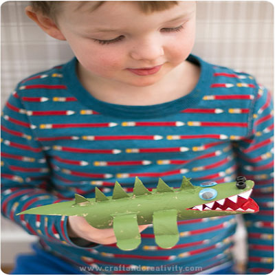 Toilet paper roll crocodile - fun tp roll craft for kids