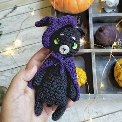 Adorable amigurumi witch cat (free amigurumi pattern)
