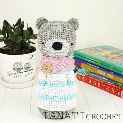 Amigurumi bear in striped winter coat (free amigurumi pattern)