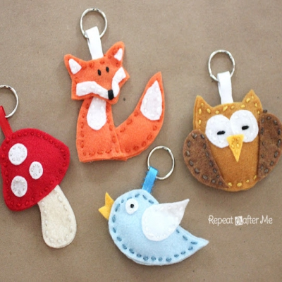 Felt forest friends keychains (fox, mushroom, bird and owl) - free template