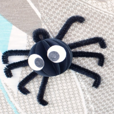Adorable pipe cleaner spiders - fun Halloween craft for kids