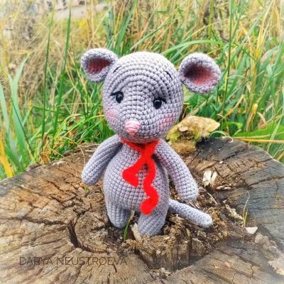 Adorable amigurumi mouse (free amigurumi pattern)