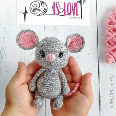 Amigurumi Catnip Mouse Free Pattern and Video | 400x400