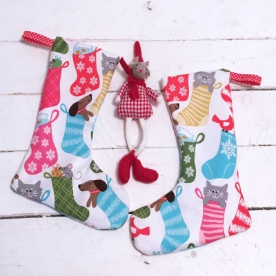 Small Christmas stocking (free sewing pattern & tutorial)