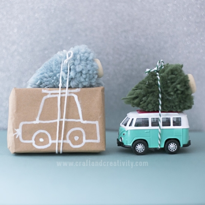 Quick and easy DIY pompom Christmas trees - (Christmas tree on a car)