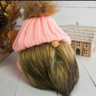 Short Christmas gnome in winter hat (video tutorial)