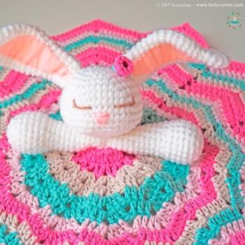 Amigurumi bunny baby blanket (free amigurumi pattern)