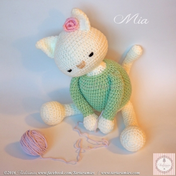 Mía the amigurumi cat (free amigurumi pattern)