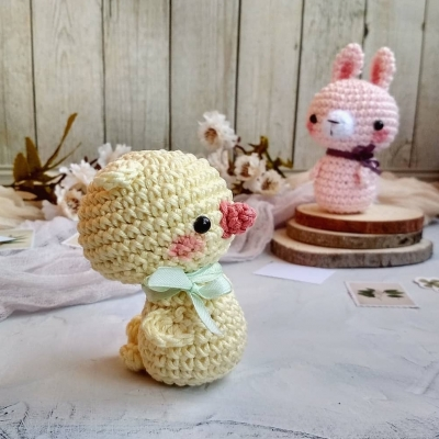 Adorable little Easter chick and bunny (free amigurumi patterns)