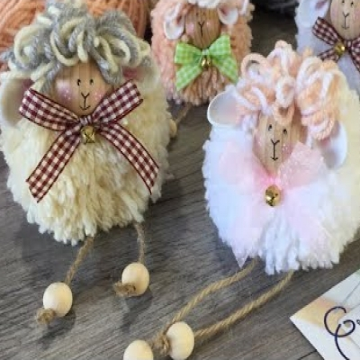 Adorable pom pom sheep - simple & frugal Easter home decor