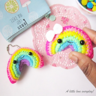 Amigurumi rainbow keychain (free amigurumi pattern)