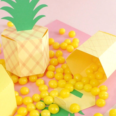 DIY Pineapple Box  - fun summer party gift wrapping idea