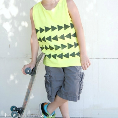 DIY Foam stamped tank top - how to decorate fabrics easily