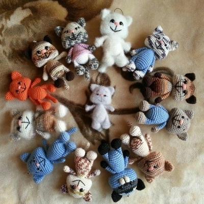 Small amigurumi cat (free amigurumi pattern)
