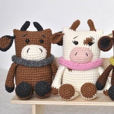 Amigurumi bull & cow (free crochet patterns)