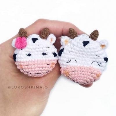 Amigurumi cow brooch pattern (free amigurumi pattern)