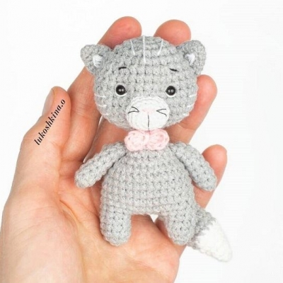 Little amigurumi cat (free amigurumi pattern)