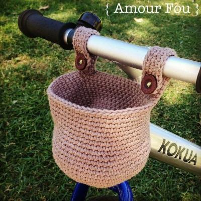 Crochet bike basket (free crochet pattern)