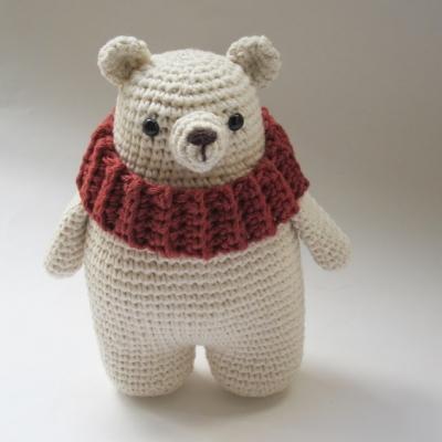 Leopold the amigurumi polar bear (free amigurumi pattern)