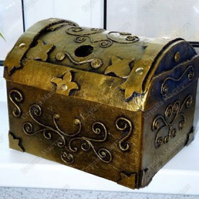 Treasure chests from (carboard) boxes
