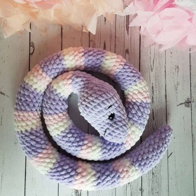 Amigurumi snake (free amigurumi pattern)