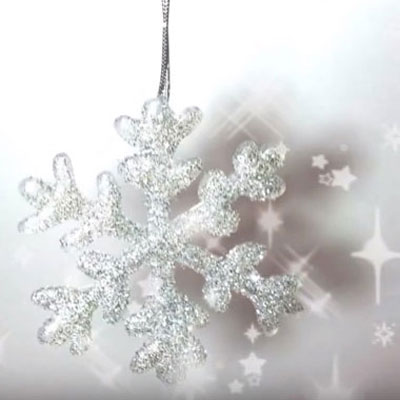 DIY Christmas ornaments with hot glue gun