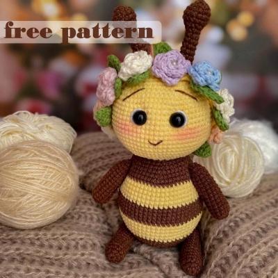 Flora the amigurumi bee (free crochet pattern+video tutorial)