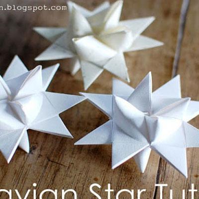 Easy DIY dimensional paper star - Christmas tree ornament