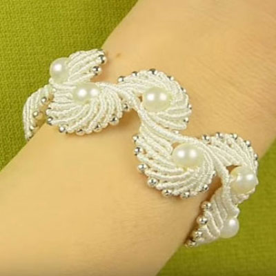 Macramé angel wings (or shell) bracelet