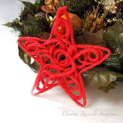 DIY Christmas yarn star ornament - easy Christmas yarn craft