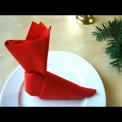 Christmas elf boot napkin - napkin folding tutorial ( origami )
