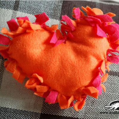 DIY no sew heart pillow