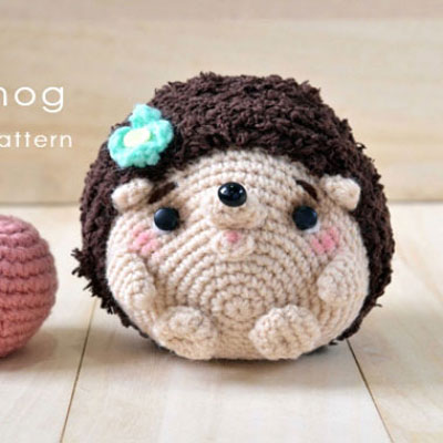 Cute crocheted (amigurumi) hedgehog