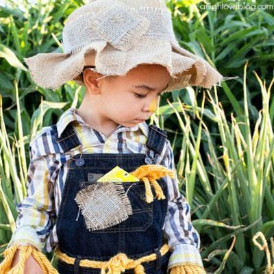 Easy no sew scarecrow costume