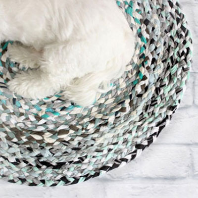 DIY no-sew braided rug with t-shirts