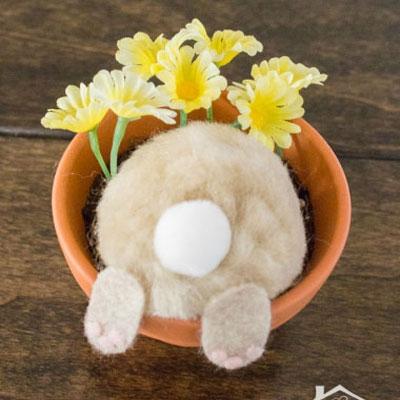 Curious bunny flower pot easter decoration