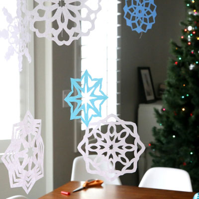 DIY Easy winter paper snowflake window decor