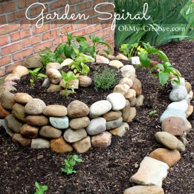 DIY garden herb - vegetable spiral