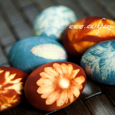 Dye easter eggs with natural ingredients