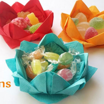 DIY water lily candy bowl from napkins - napkin folding