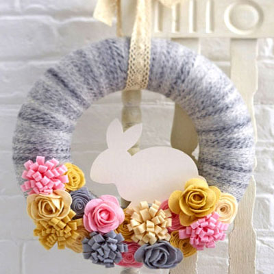 DIY felt easter bunny wreath with yarn