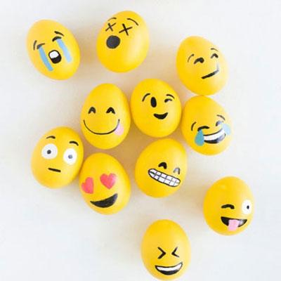 DIY fun emoji easter eggs