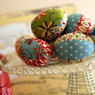 DIY Patchwork fabric easter eggs ( with sewing pattern )